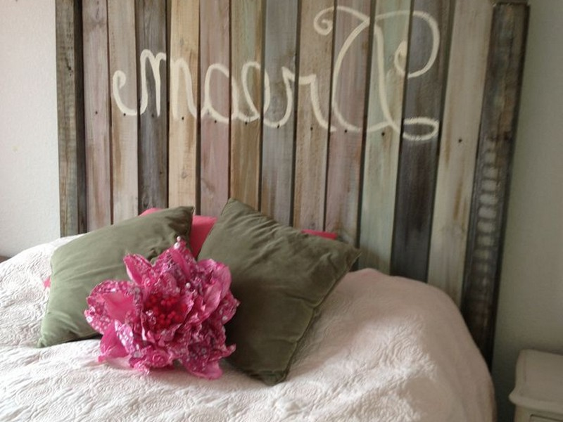 Picket Fence Headboard Design