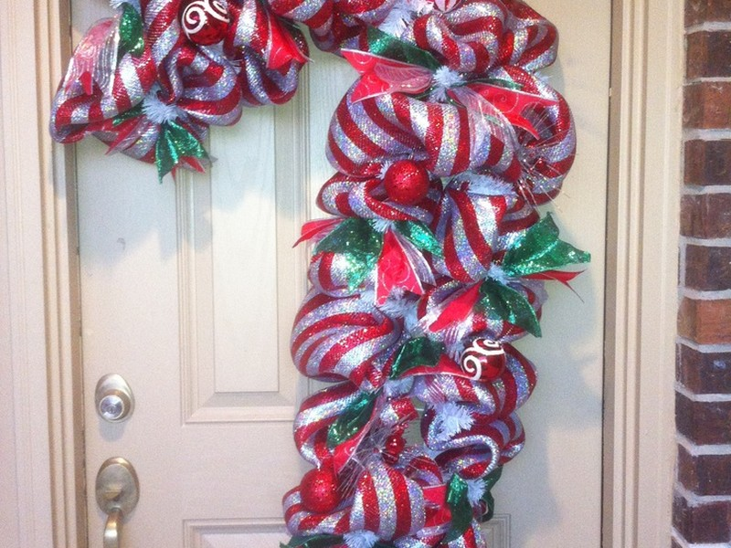 Pictures Of Candy Cane Wreaths