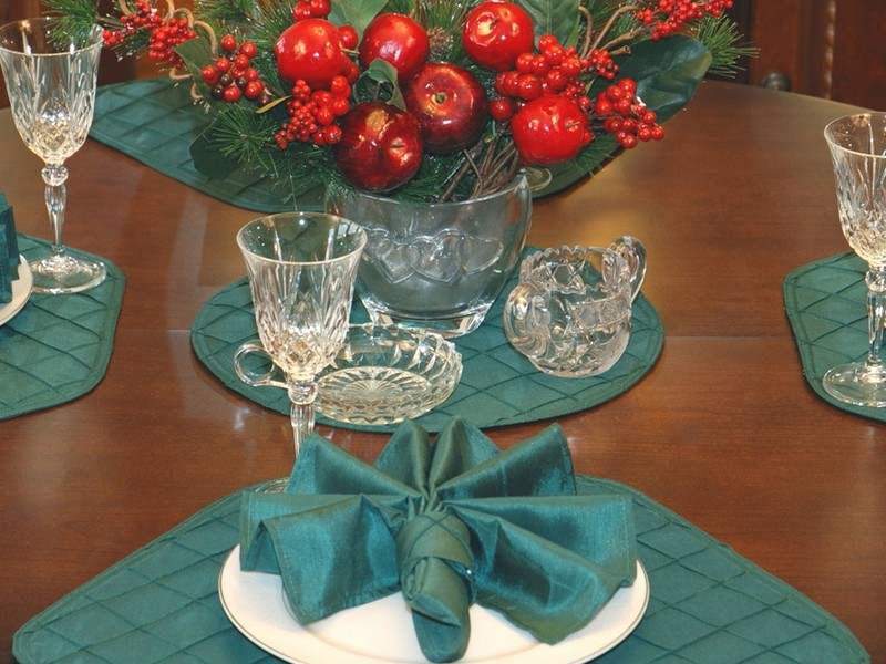 Placemats For Round Tables Wedge Pattern