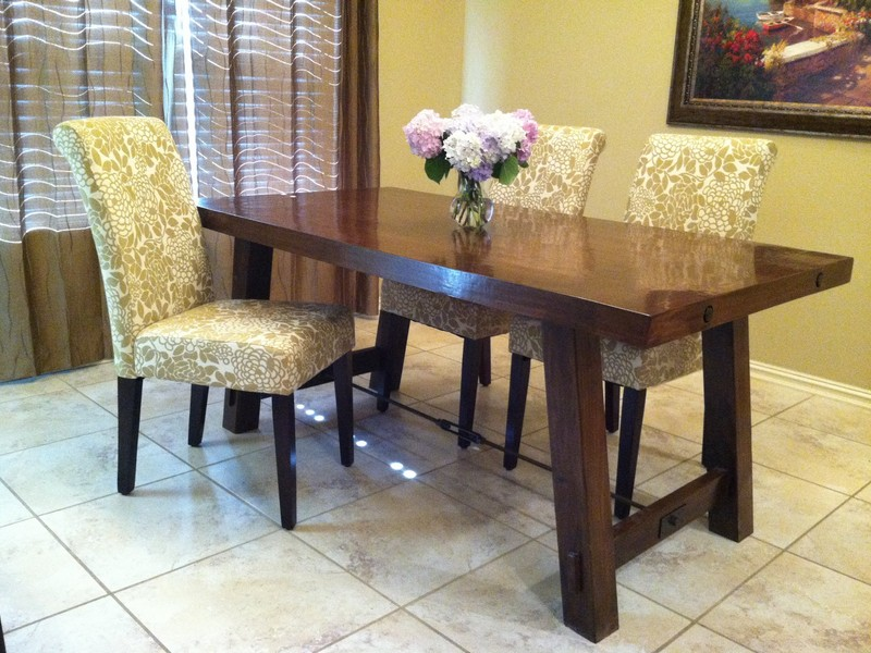 Pottery Barn Farmhouse Dining Table