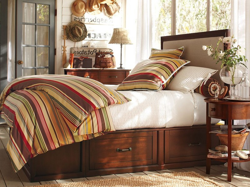 Pottery Barn Platform Bed With Baskets