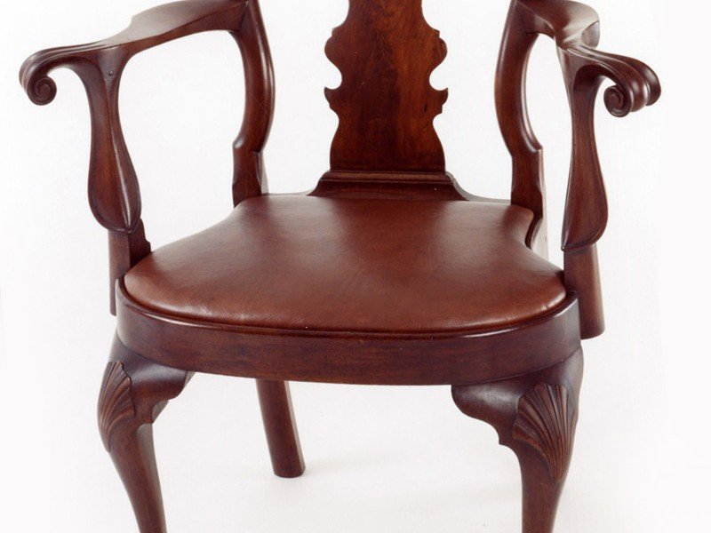 Queen Anne Chair With Arms