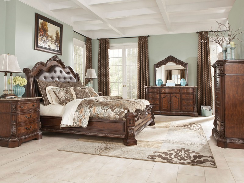 Queen Sleigh Bedroom Set