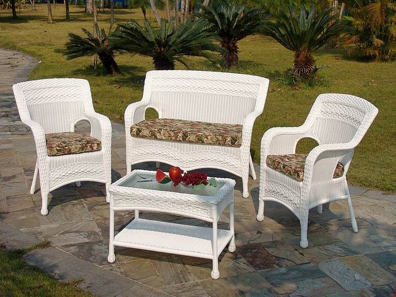 Resin Patio Tables And Chairs