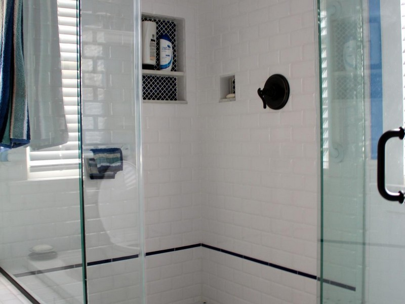 Retro Bathrooms With Subway Tile