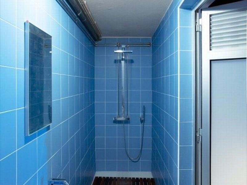 Retro Blue Tile Bathroom