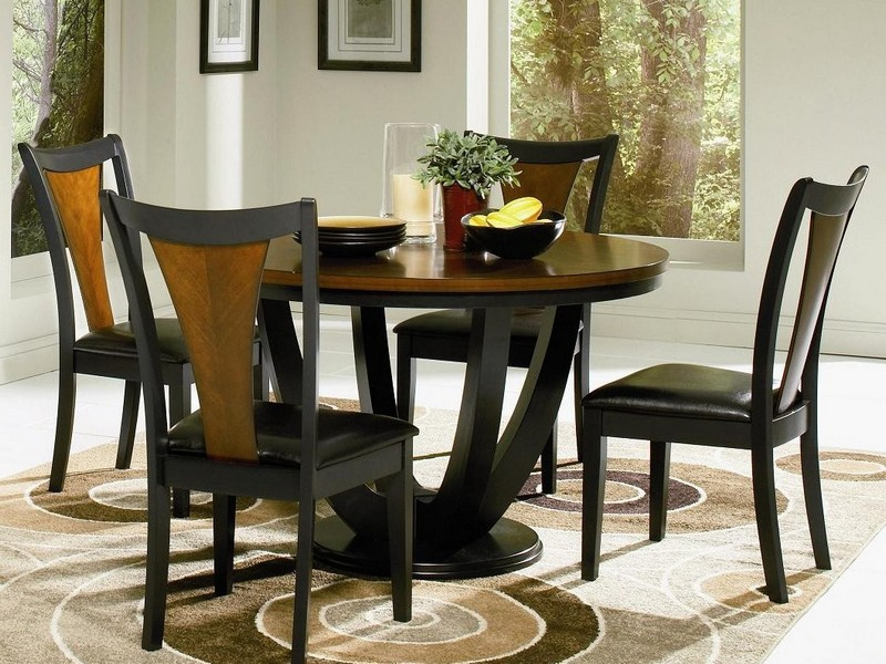Round Dinette Table And Chairs