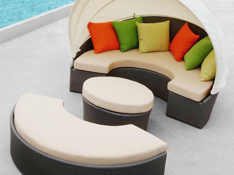 Round Outdoor Daybed Cushion