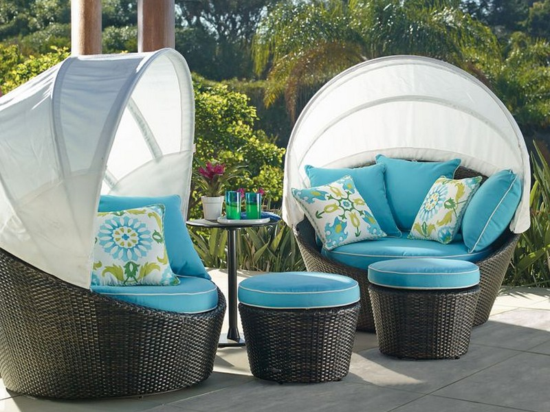 Round Outdoor Daybed With Canopy