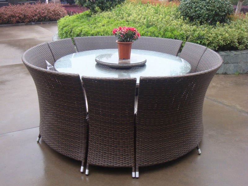 Round Patio Table And Chairs
