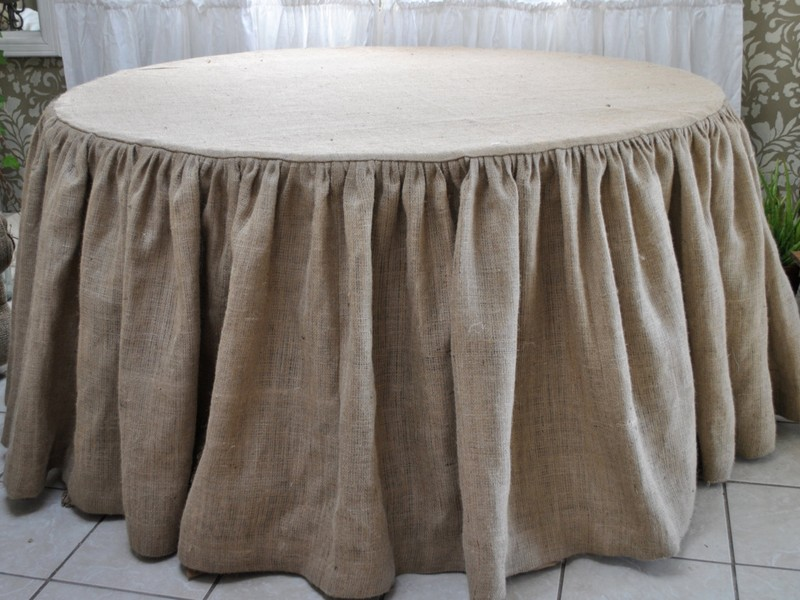 Round Ruffled Burlap Tablecloth