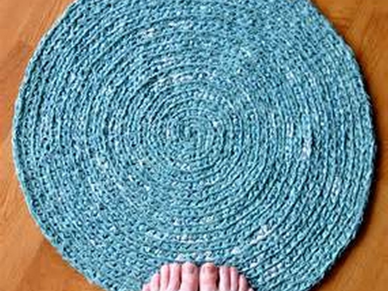 Round Throw Rugs