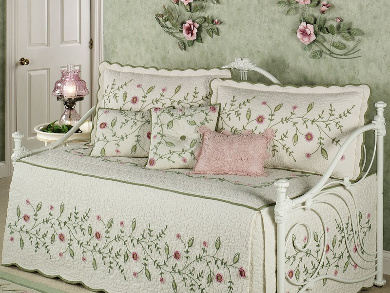 Shabby Chic Daybed Comforter Sets