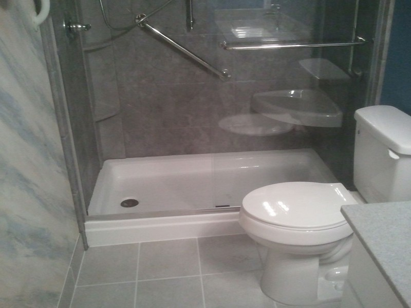 Small Bathroom Designs With Tub And Shower
