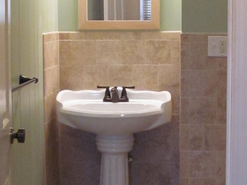 Small Bathroom Pedestal Sinks