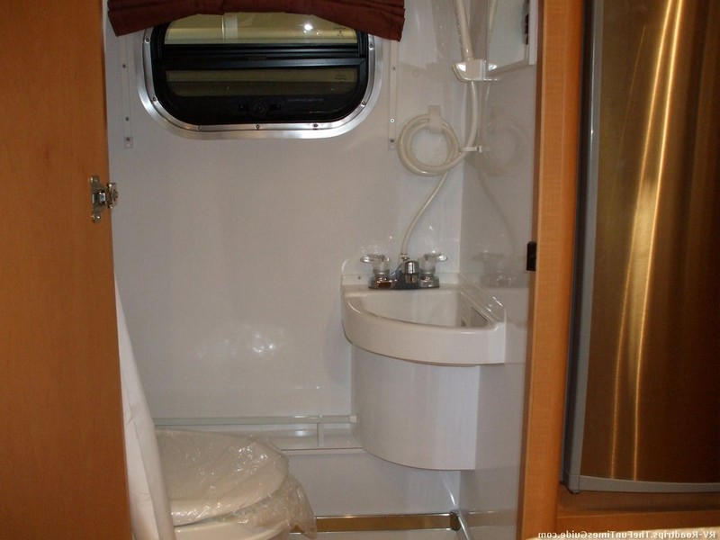 Small Campers With Bathroom And Shower
