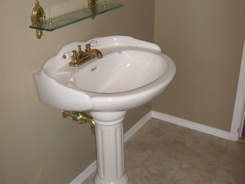Small Pedestal Bathroom Sinks