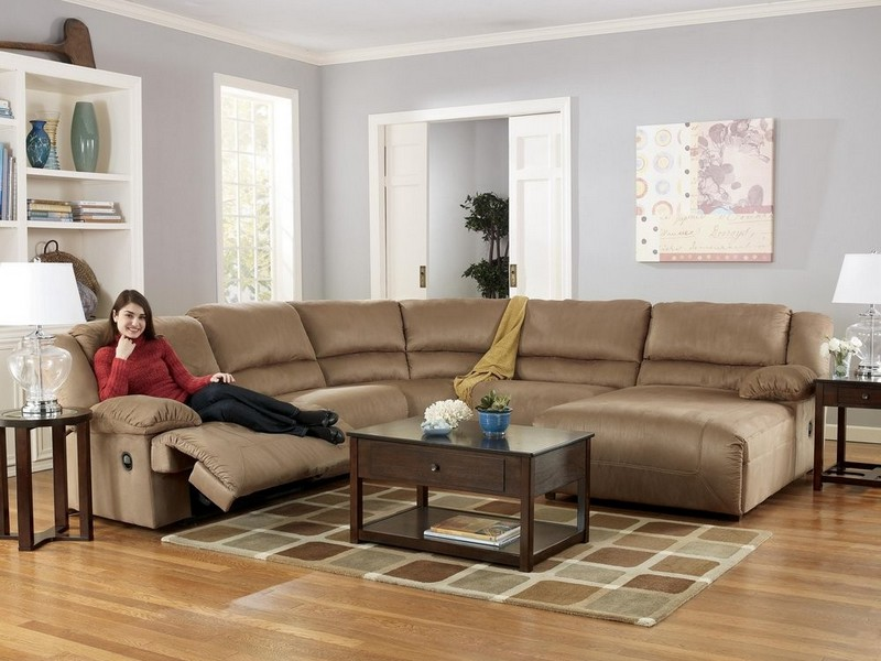 Small Reclining Sectional With Chaise
