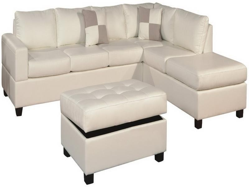 Small Scale Sectional Sofa With Chaise