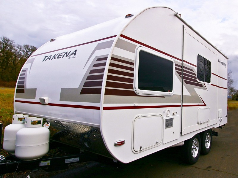 Small Travel Trailers With Bathrooms