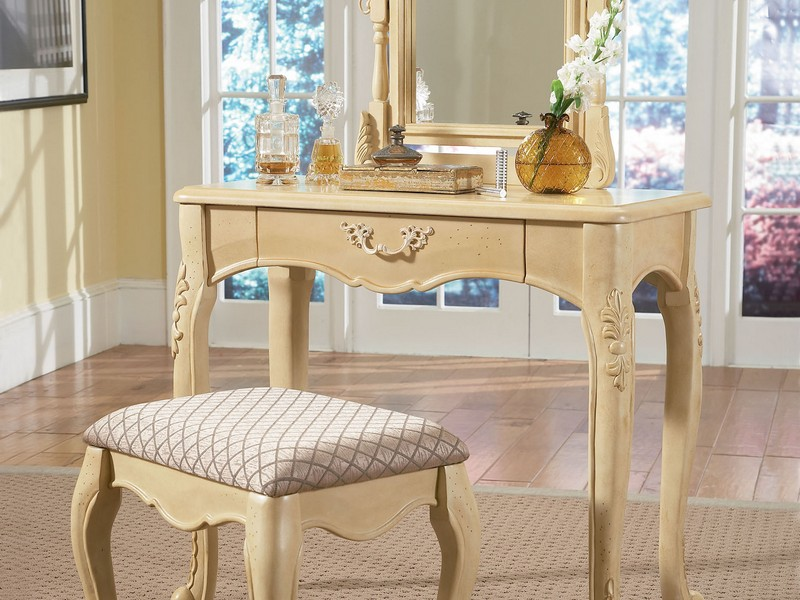 Small Vanity Table Without Mirror