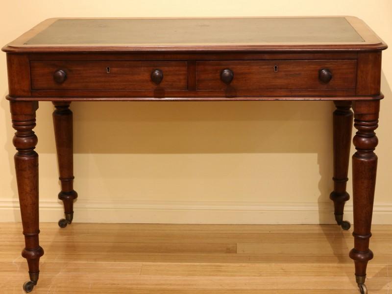 Mahogany Desk 4
