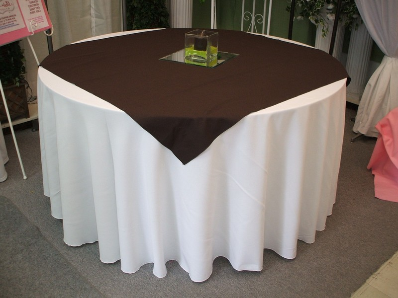 Square Tablecloths On Round Tables