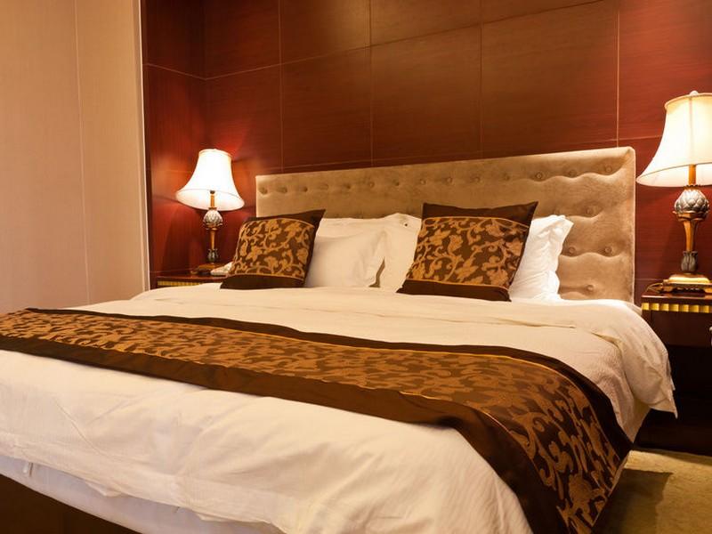 Super Ultra King Bed
