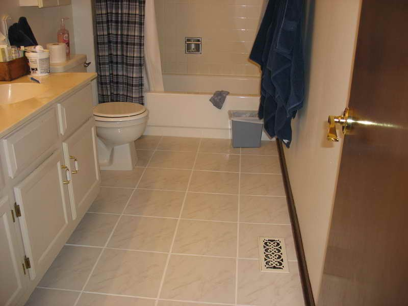 Tile Floor Patterns For Small Bathrooms