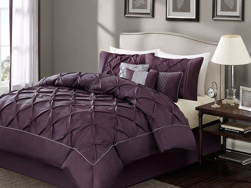 Tufted Comforter Set