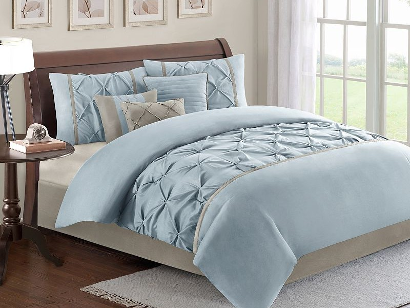 Tufted Comforter Sets