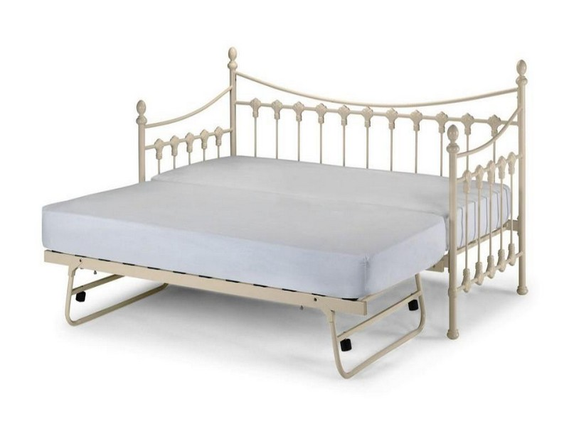 Upholstered Daybed With Pop Up Trundle