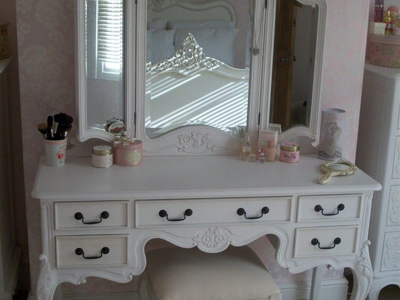 Vanity Table With Drawers No Mirror