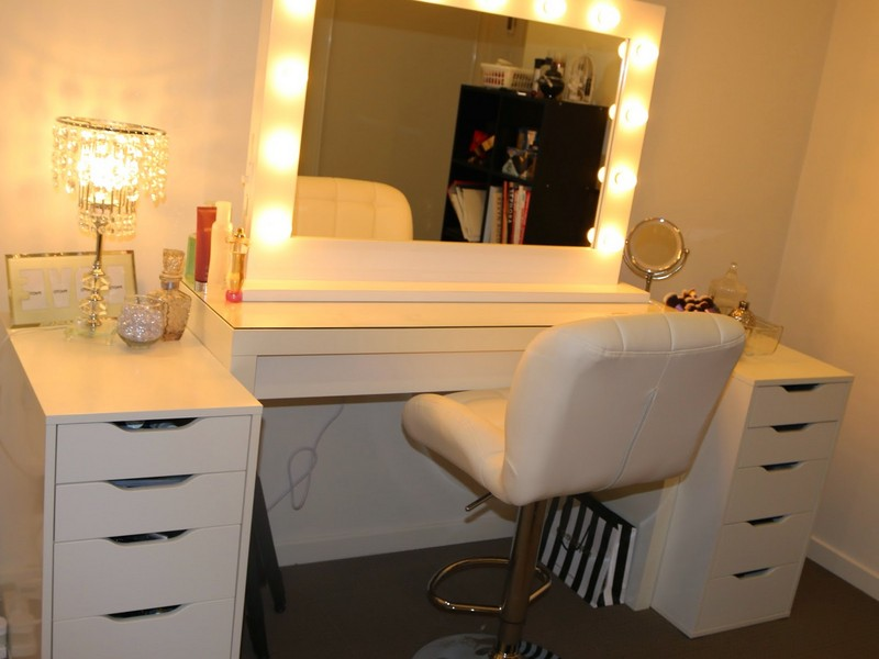 Vanity Table With Lights Ikea