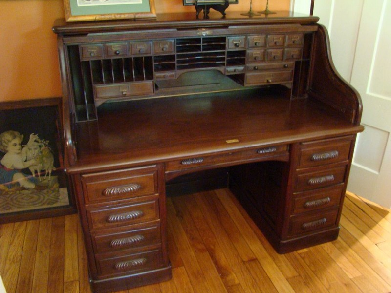 Vintage Roll Top Desk Value