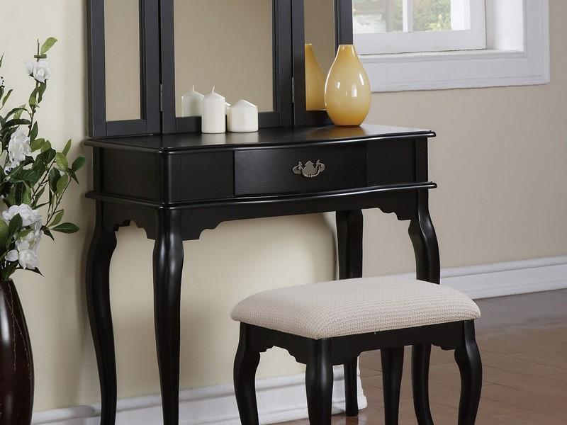 Vintage Vanity Dresser With Mirror