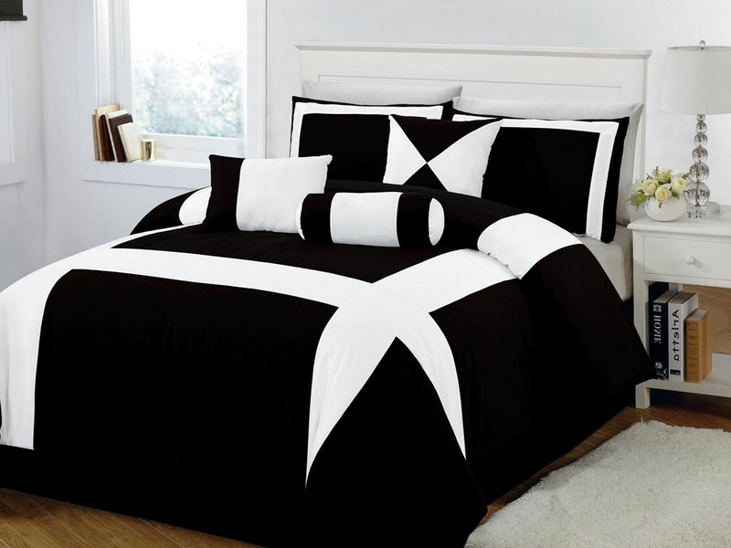 White And Black Bed Comforters
