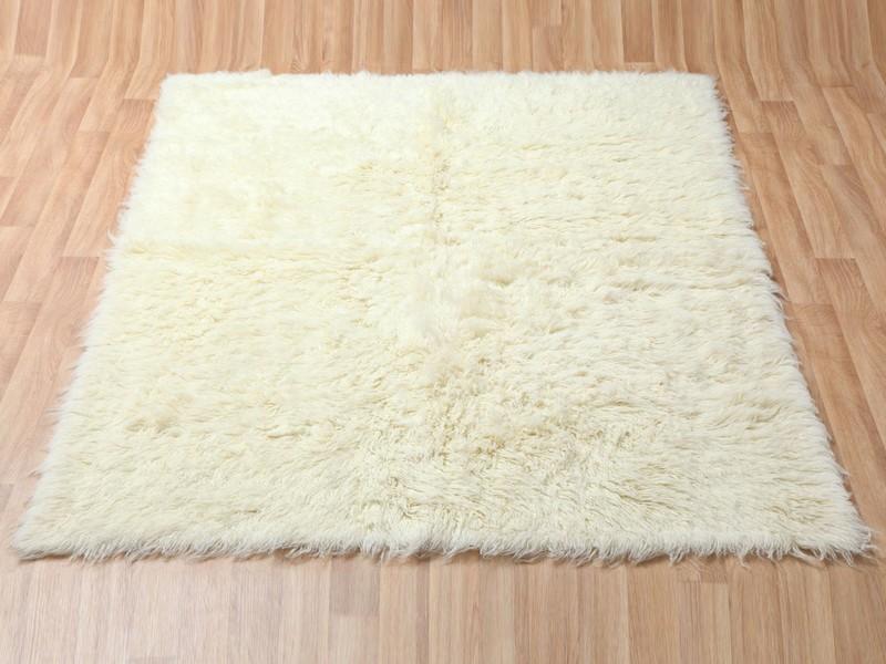 White Fluffy Rugs