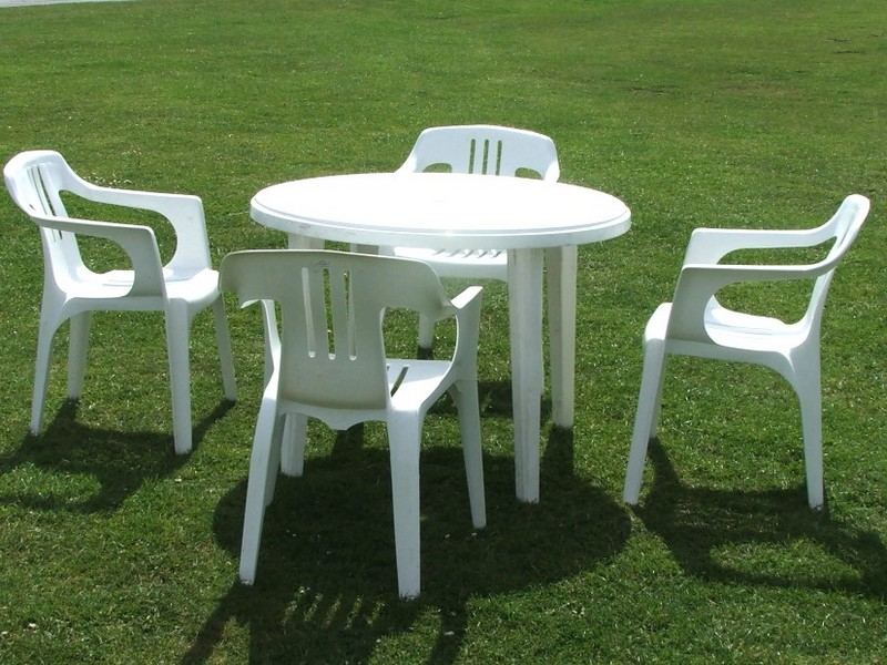White Resin Patio Furniture