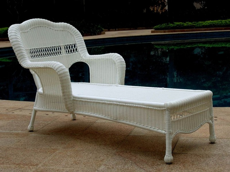 White Wicker Chaise Lounge Clearance