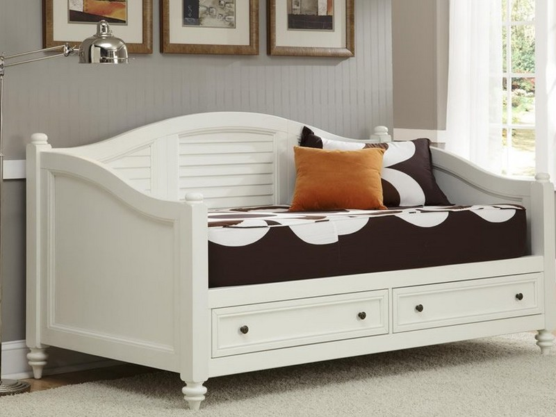 White Wooden Daybed With Drawers