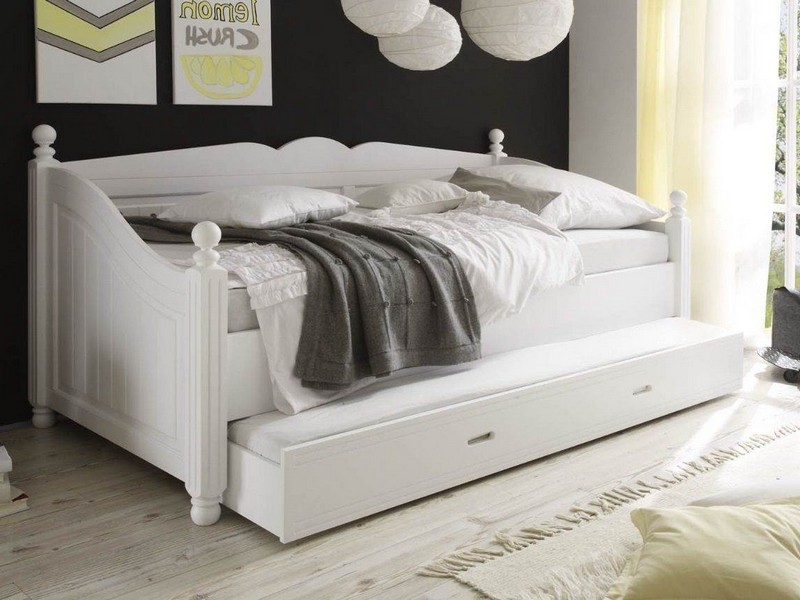 White Wooden Daybed With Pop Up Trundle