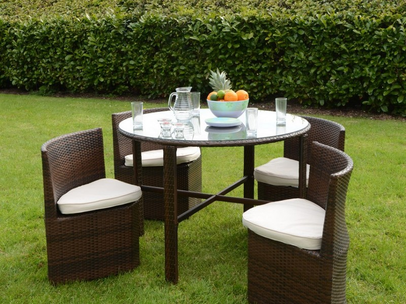 Wicker Bench Seat And Table