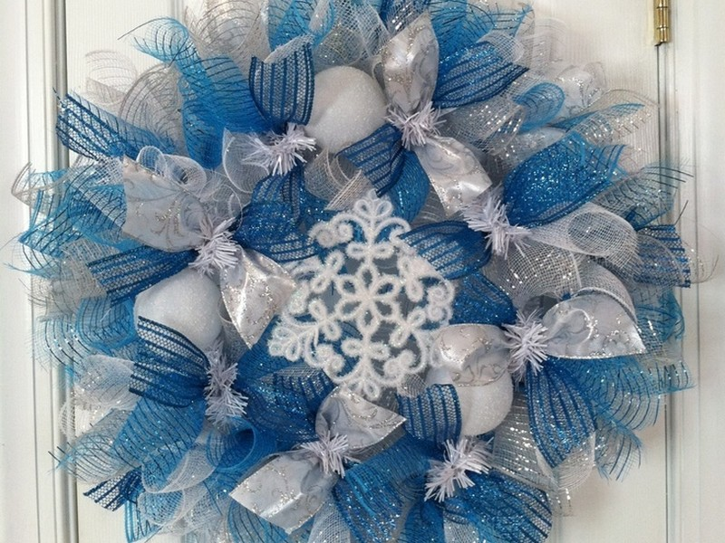 Winter Mesh Wreath Ideas